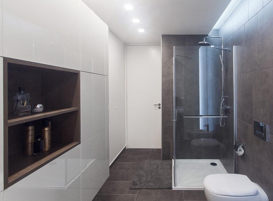 koupelna_line_realizace_hanak_dvere